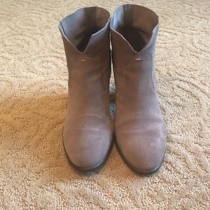 Taupe Vince Camuto pull on bootie